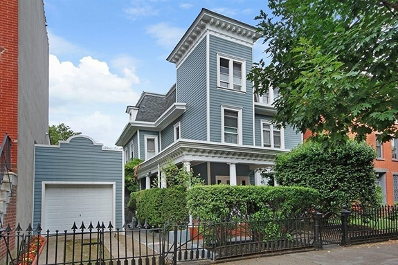 Freestanding home in Clinton Hill, Brooklyn has been sold for a record setting $4.1 million