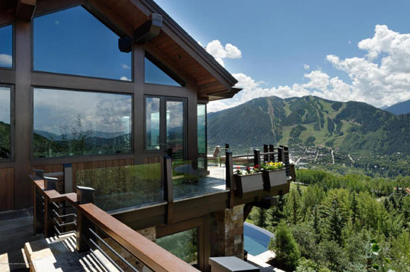the-mountain-is-sometimes-known-as-billionaire-mountain-because-of-its-expensive-real-estate