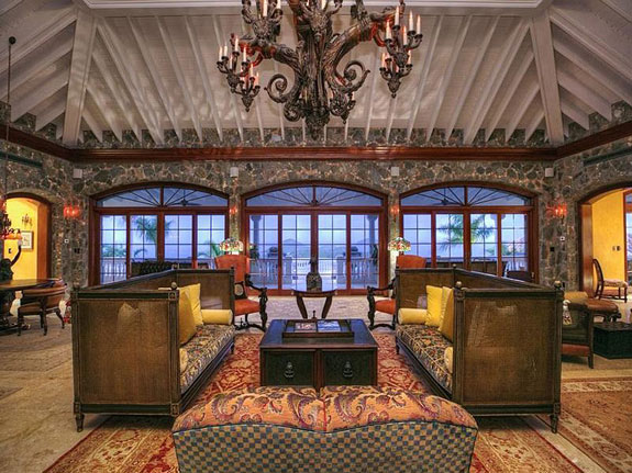 inside-the-interior-follows-through-on-the-pirate-chic-theme