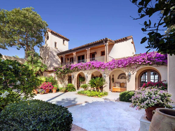 the-property-also-includes-a-manor-house-originally-built-in-1928