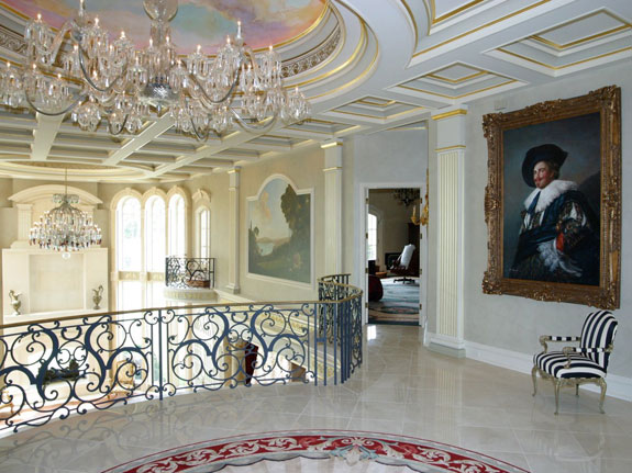 traces-of-24-karat-gold-leaf-can-be-found-throughout-the-mansion