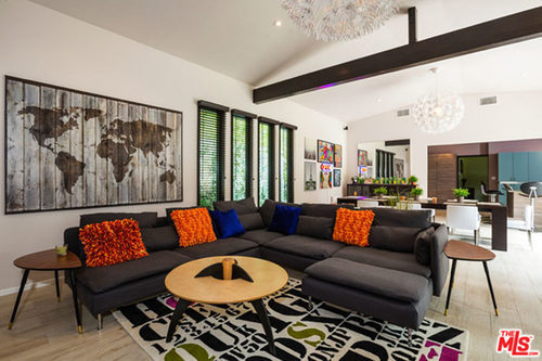 Miley-Cyrus-Malibu-CA-Real-Estate-living-room