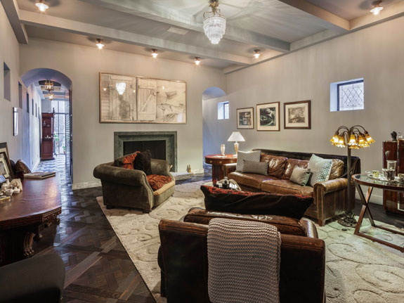 new-york-city-this-summer-swift-started-renting-a-40000-a-month-townhouse-in-manhattans-west-village