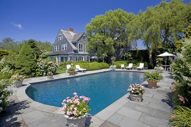 The Grey Gardens estate