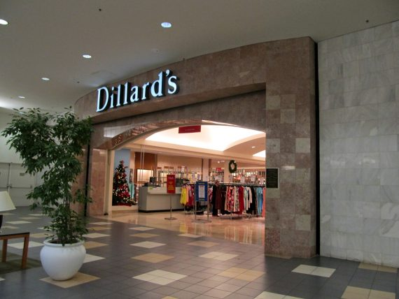 List of Dillard's stores in United States. Locate the Dillard's store near you.