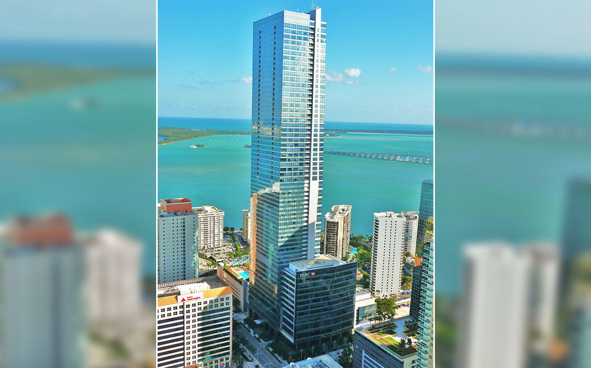 Four Seasons Hotel Miami at 1435 Brickell Avenue (Credit: Averette/Wikipedia)