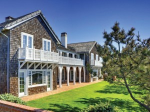 211 Lily Pond Lane in East Hampton