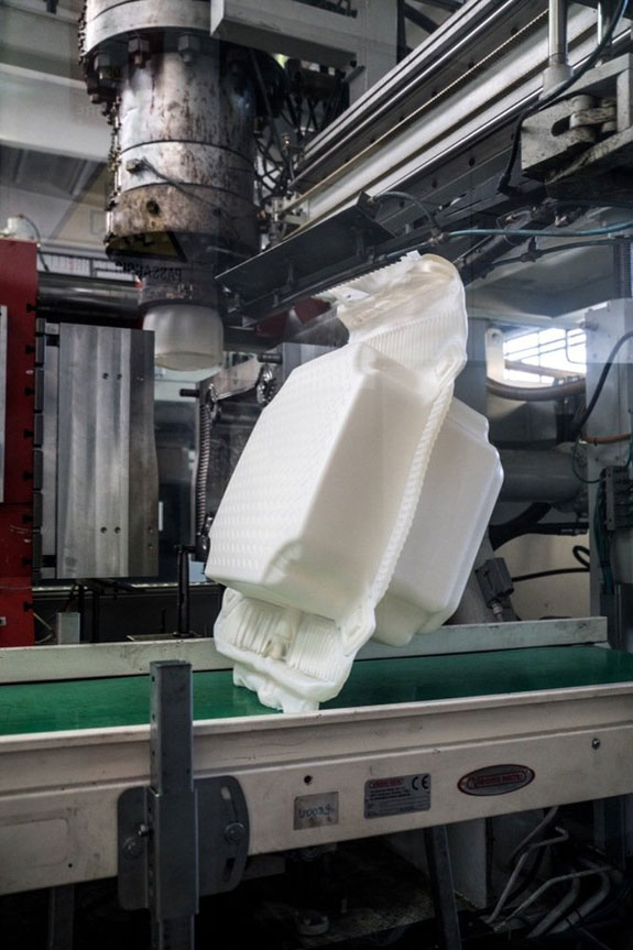 january-2016-at-a-factory-in-fondotoce-at-lago-maggiore-200000-high-density-polyethylene-cubes-are-manufactured-over-a-period-of-eight-months-before-delivery-to-the-work-site-in-montecolino
